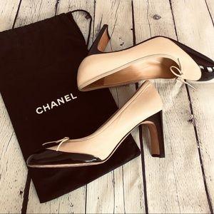 Authentic Chanel vintage cap toe pumps